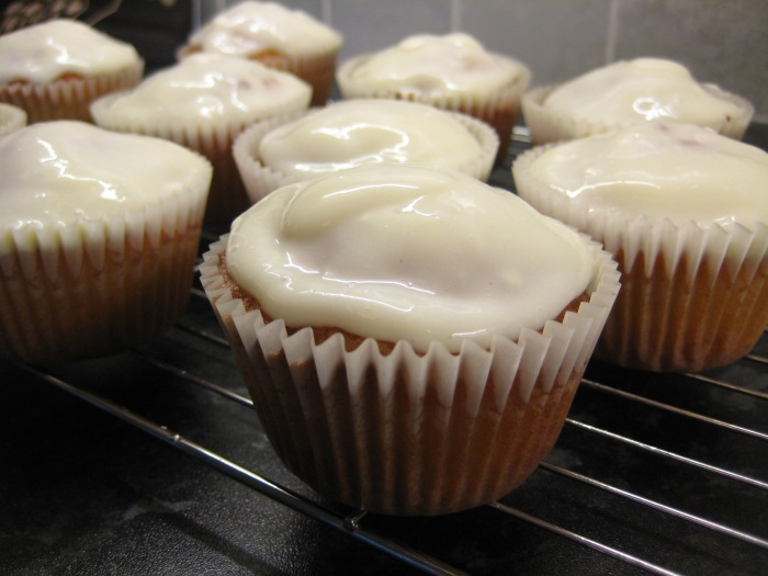 Zingy Lemon Cakes