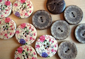 Painted wooden buttons and carved coconut buttons