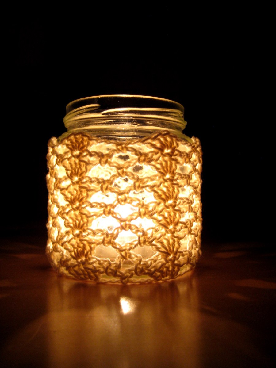 Crochet Jar Cover I: Shells and Lace