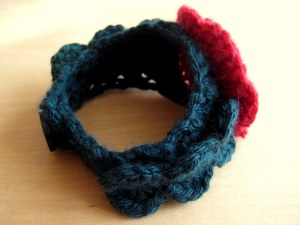 Bracelet has leafy straps :)