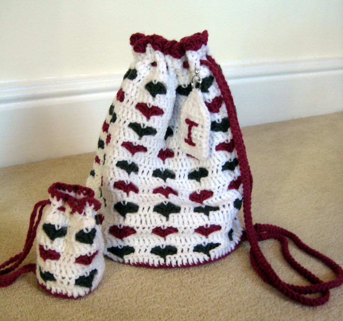 Small Bag Crochet Pattern : Little Hearts Drawstring Bags Make My Day Creative