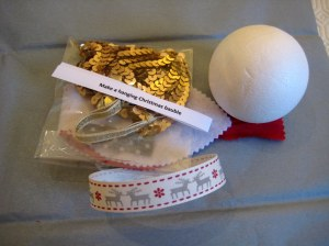 No-sew Christmas Baubles crafty gift!