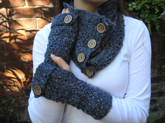 Matching Cowl and Gloves free crochet pattern