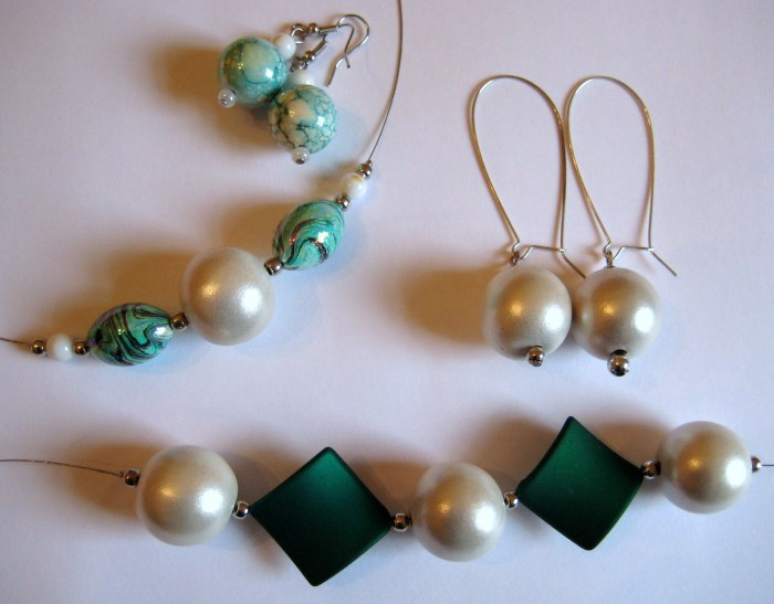 Green and White Jewellery Sets