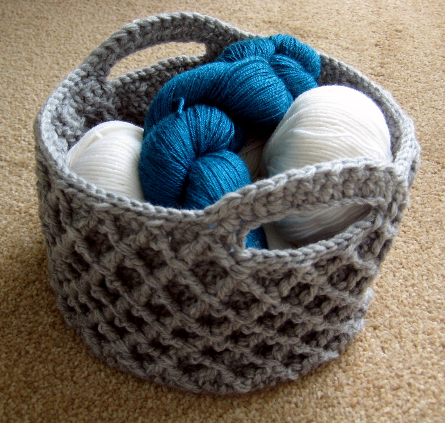 Letter Knitting Patterns : Diamond Trellis Basket Make My Day Creative