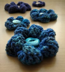 Puffy Flowers - A super quick and free cute crochet pattern