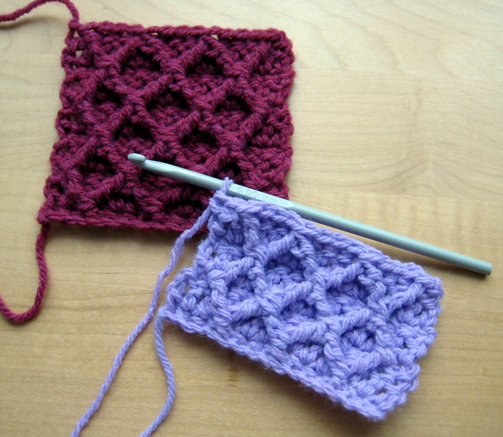 Video tutorial: Diamond Trellis Stitch - CrochetMe