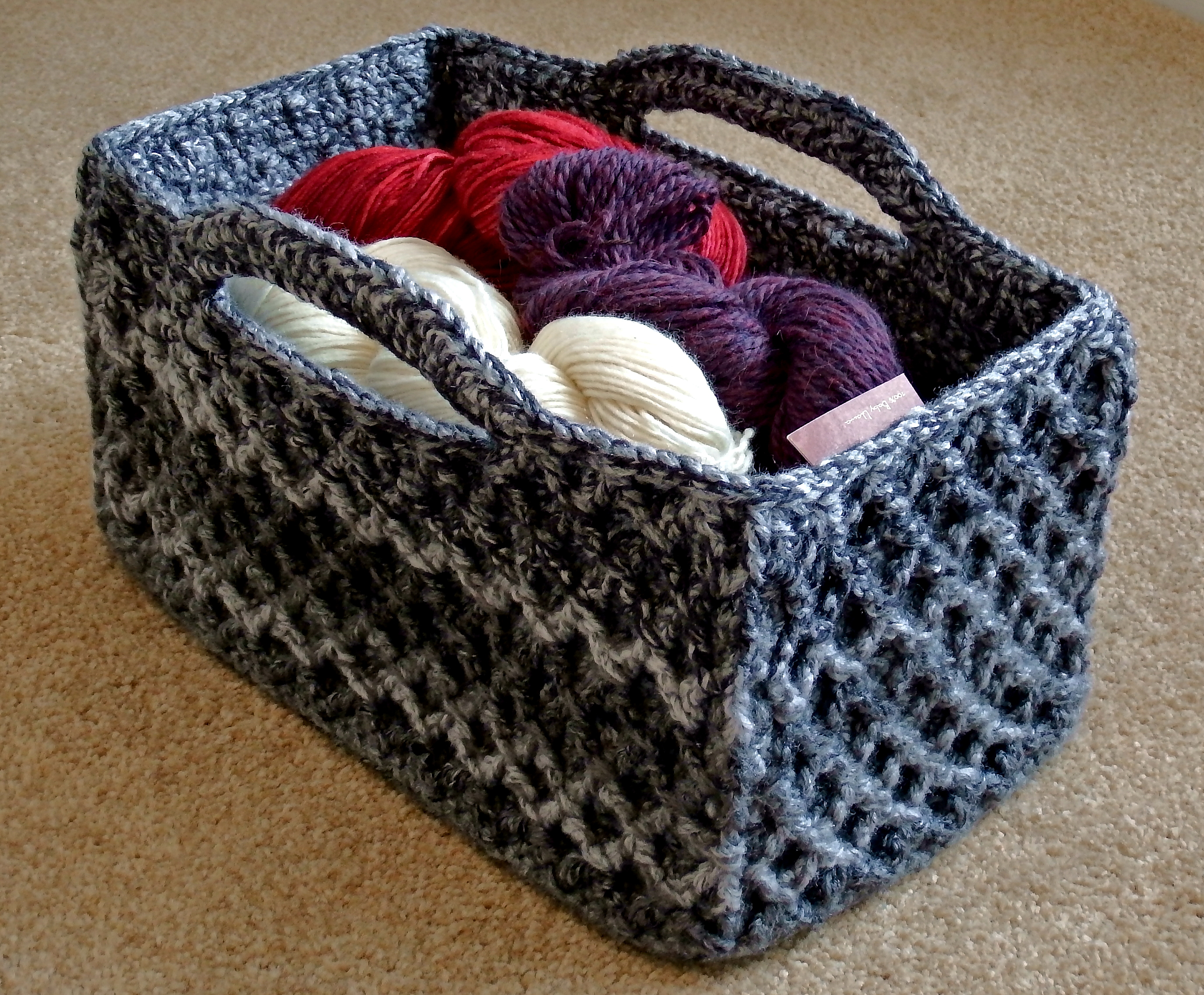 Free Printable Crochet Basket Patterns : Rectangular Diamond Trellis Basket - CrochetMe