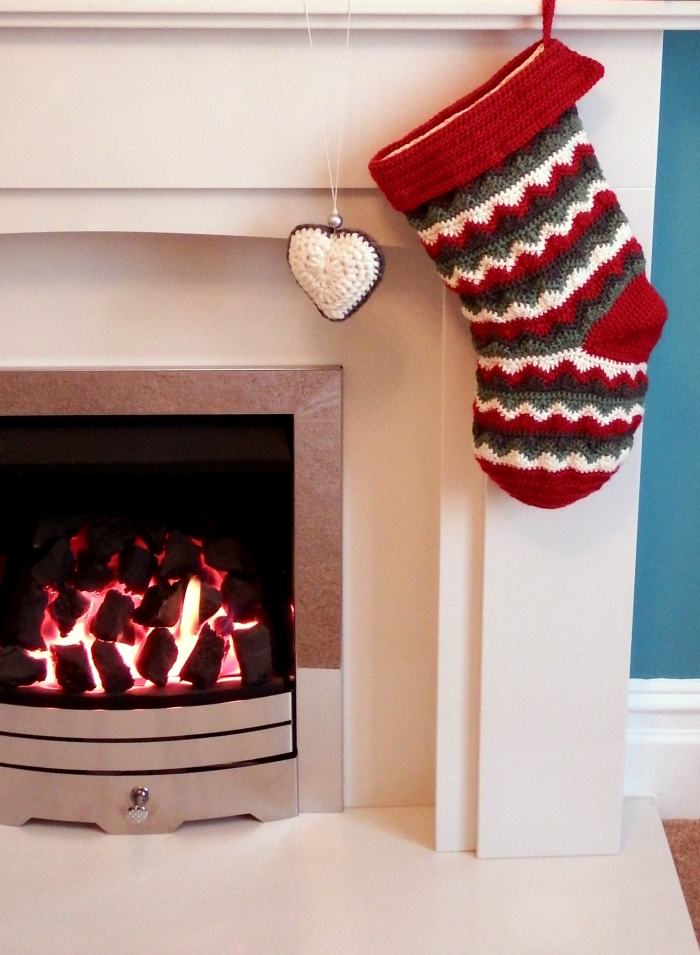 Home made Christmas Stocking - free crochet pattern!