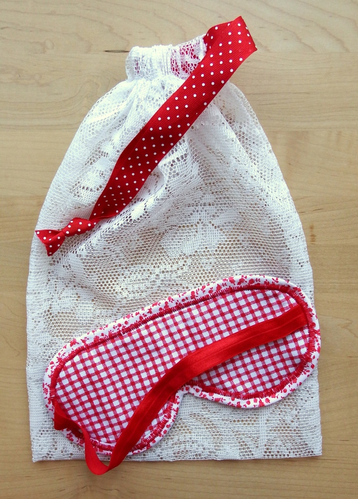 Make a cute padded eye mask and matching gift bag using gingham and floral fabrics