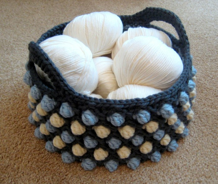 Honeycomb Pop Basket - a free crochet pattern from Make My Day Creative - use a smaller hook then recommended by the manufacturer of the yarn for a stiff basket