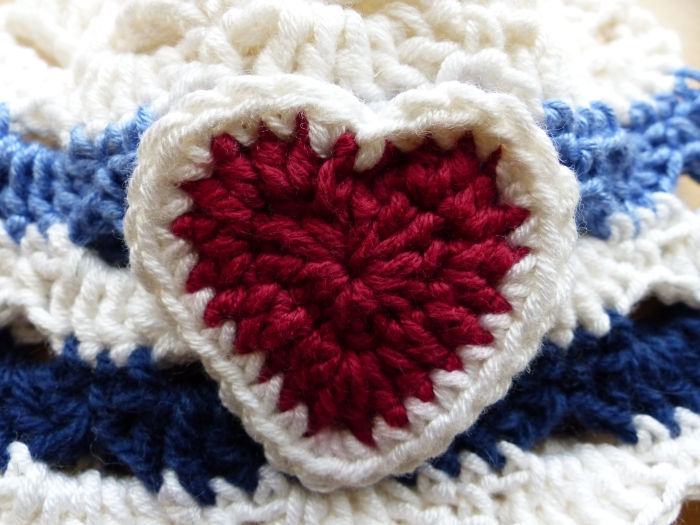 Add a cute heart to a nautical hat - free pattern from Make My Day Creative