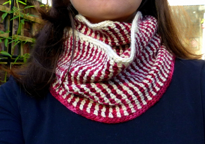 Linen Stitch Cowl - a free crochet pattern from Make My Day Creative - so easy, no ends!