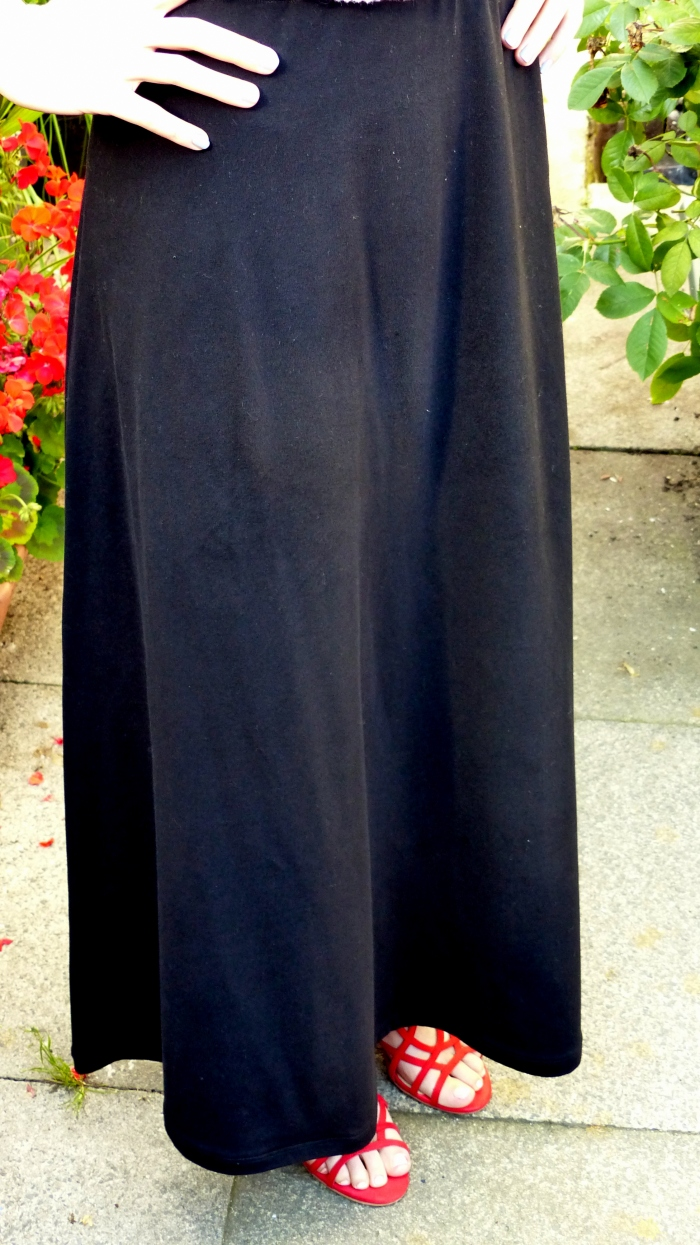 Sewing the Basics: Black Maxi Skirt