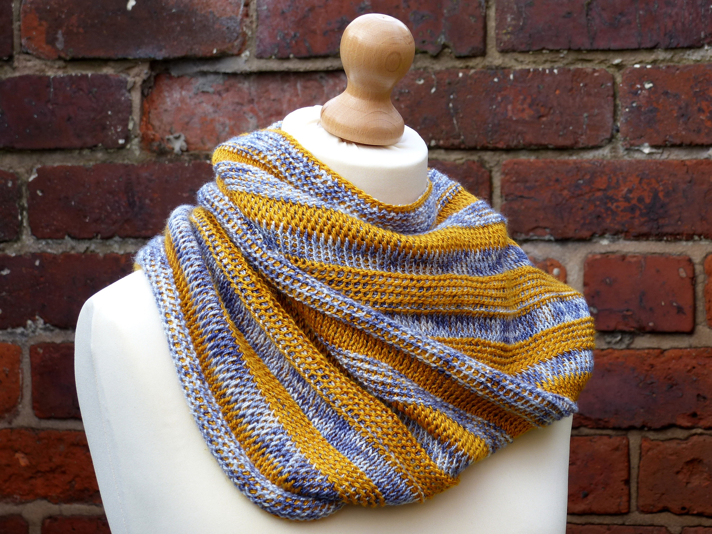 Strata Cowl | Make My Day Creative